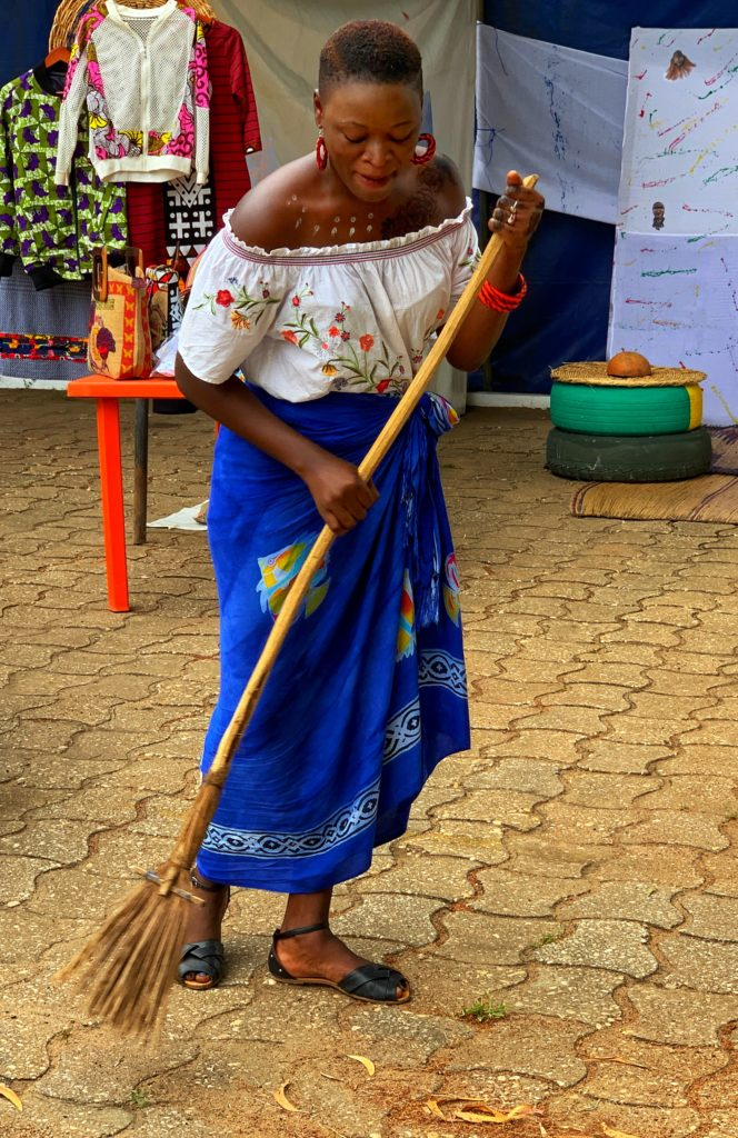 travaux-ménagers-femme-noire