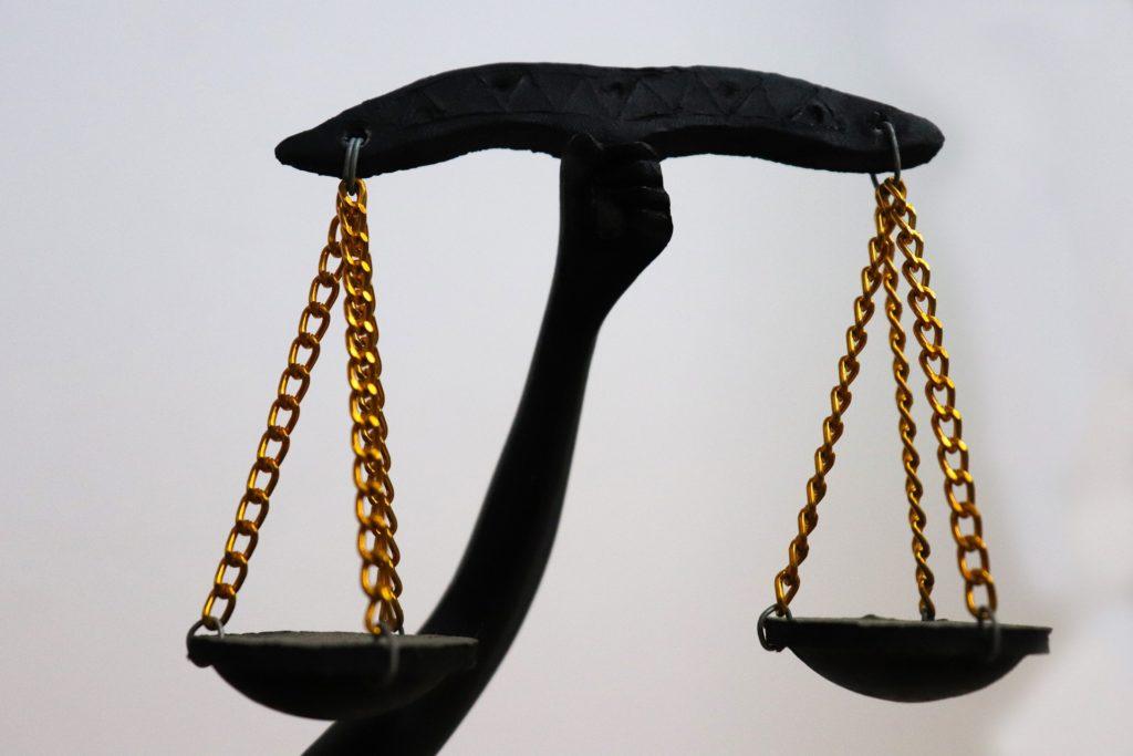 balance_justice_droit_homme_femme